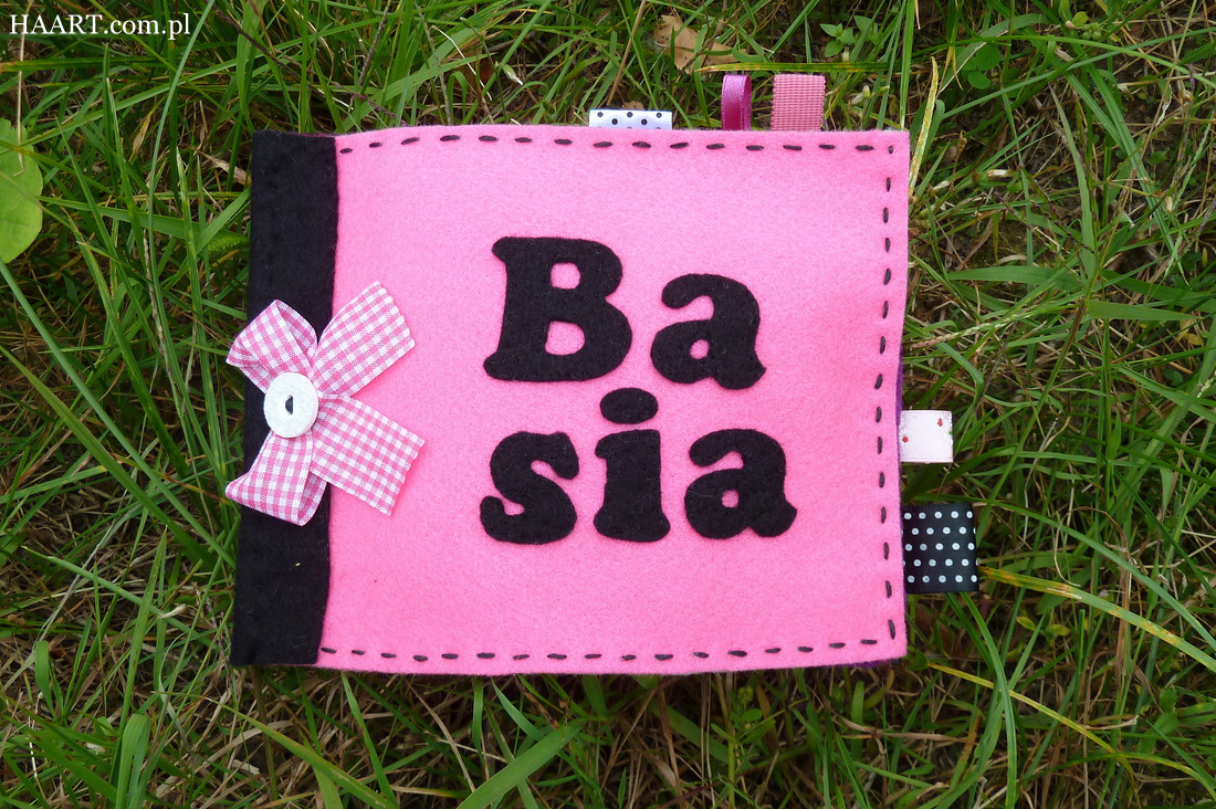 filcowa książeczka z imieniem rękodzieło filc zabawka edukacyjna dla dzieci - haart.pl blog diy zrób to sam