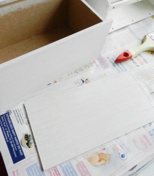 bielenie pudełka decoupage
