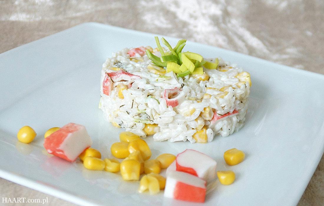 paluszki krabowe w sałatce z kukurydzą, szybka kuchnia haart, proste gotowanie, surimi - haart.pl blog diy zrób to sam