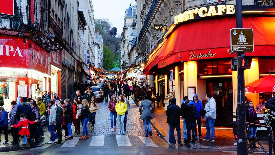 Paryż Montmartre i Moulin Rouge. Magiczna część francuskiej stolicy, wycieczka z dzieckiem - haart.pl blog diy zrób to sam