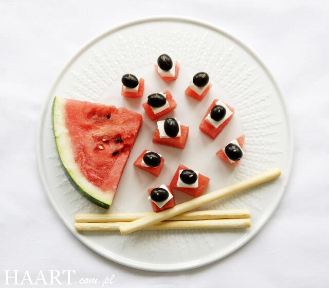 pomysł na letnie przekąski, połączenia owoców, warzyw i sera feta