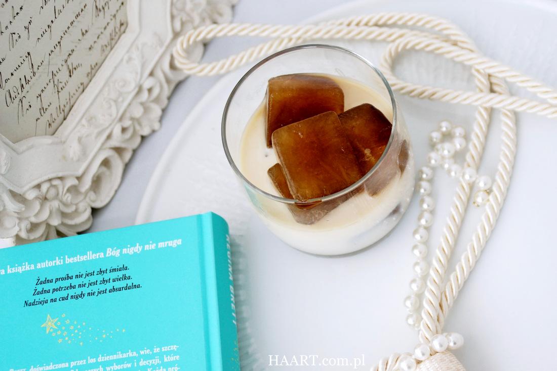 mrożona kawa w kostkach, kostkarka, lód, zamrażarka, lodówka, przepis, jak zrobić, kuchnia, napój - haart.pl blog diy zrób to sam