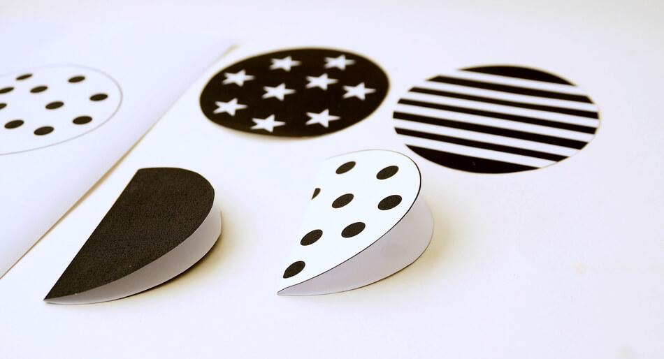 czarno-białe koła do girlandy na sznurku diy