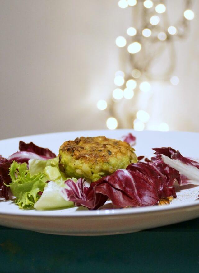 cukinia z kaszą pęczak, pomysł na wegetariańskie kotleciki