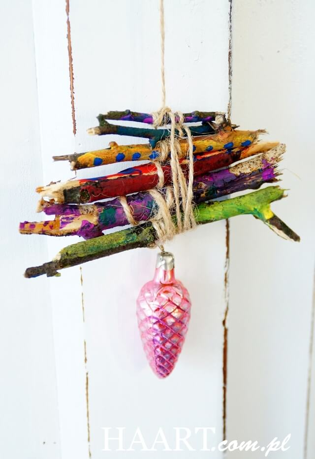 dekoracje świąteczne malowane patyki zawieszka