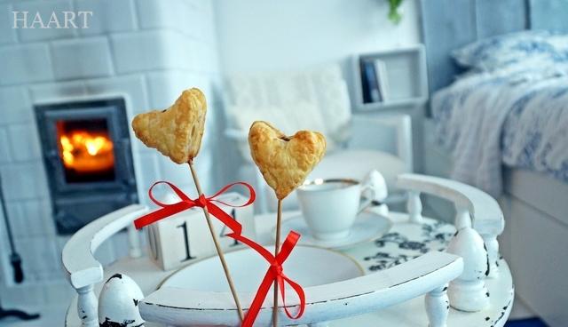 walentynkowe serce na patyku, ciasto francuskie, pieczenie, walentynki, dla zakochanych, przepis krok po kroku, instrukcja - haart.pl blog diy zrób to sam 1