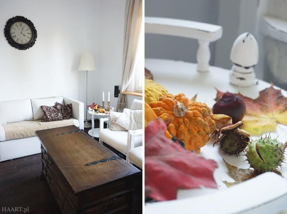 jesienne dekoracje w salonie, kasztany z liśćmi i dyniami