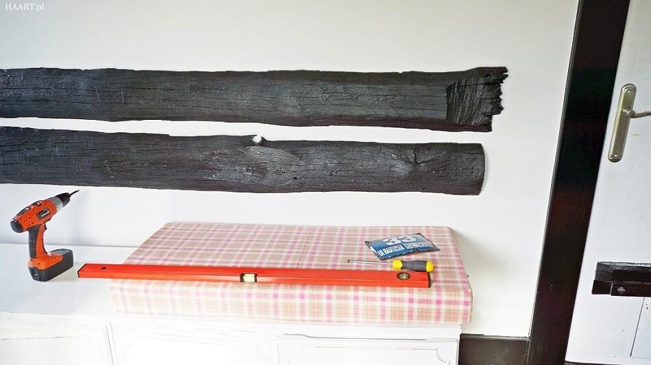 siedzisko z meblościanki prl, montaż mebla w przedpokoju