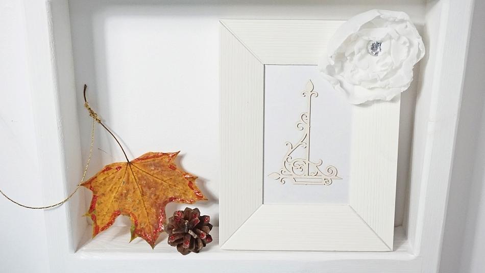 dekoracja z liści i szyszek jesienna dekoracja instrukcja zrób samodzielnie - haart.pl blog diy zrób to sam 5