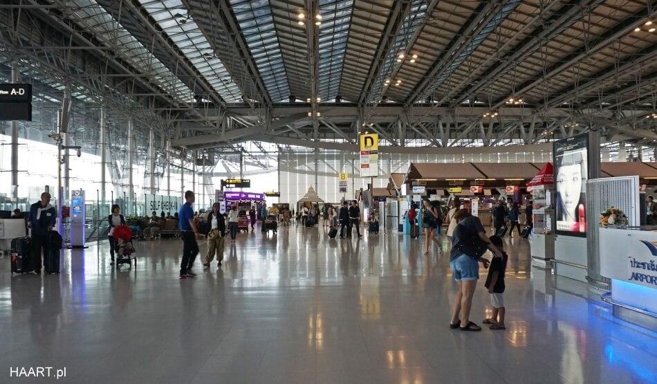 lotnisko bangkok suvarnabhumi hala odlotów departure hall
