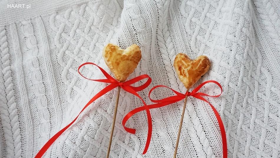 ciasto francuskie, proste serca na walentynki, dla ukochanego, dla chłopaka dziewczyny, gotowanie, pieczenie przepis recipe - haart.pl blog diy zrób to sam 1