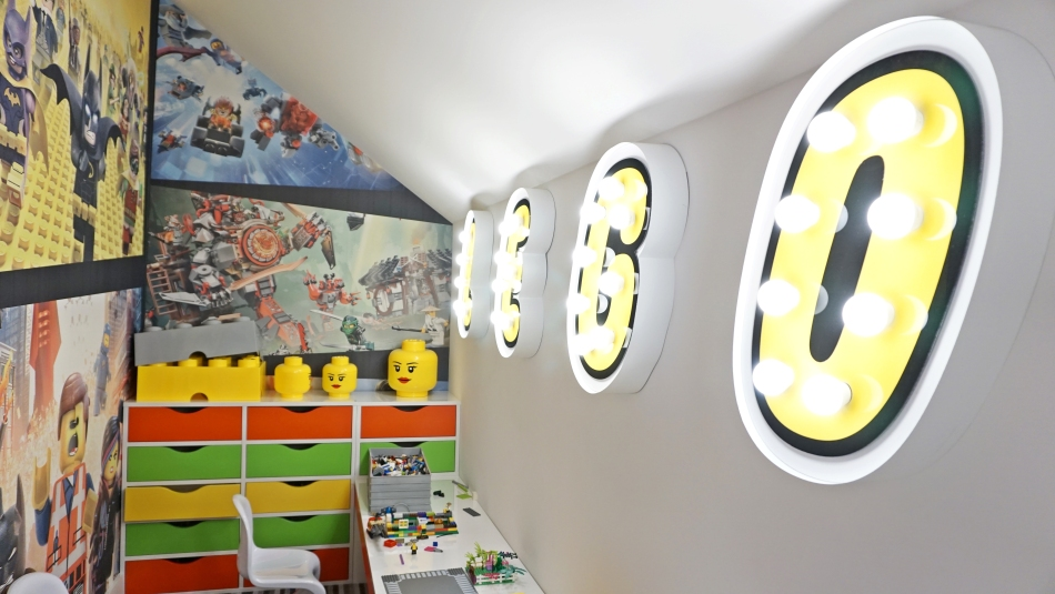 Bacówka Radawa. Pokój lego. Stolik z klockami HAART.pl blog DIY