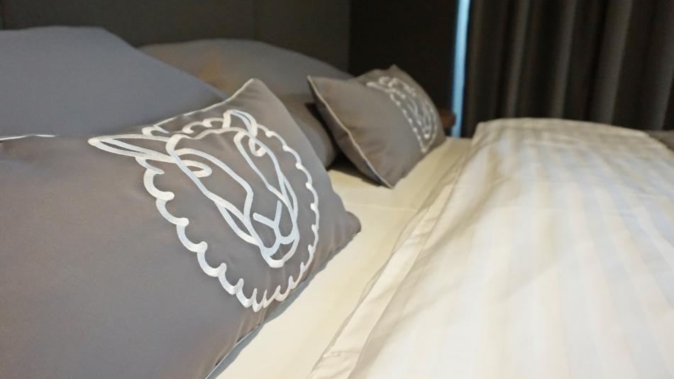 Bacówka radawa, pokój hotelowy, posuszki z góralskimi dekoracjami. HAART.pl blog diy