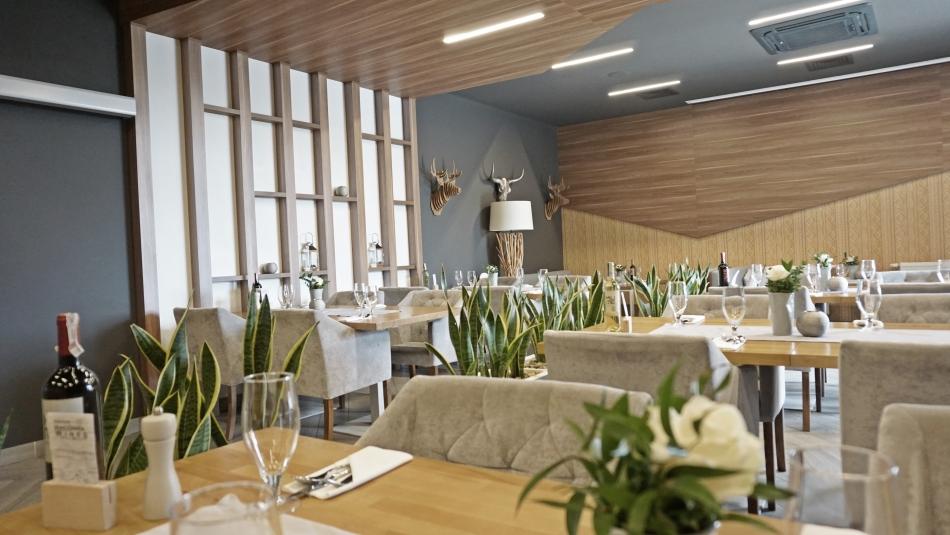 Bacówka Radawa, restauracja, stoliki, kwiaty, dekoracje. HAART.pl blog diy