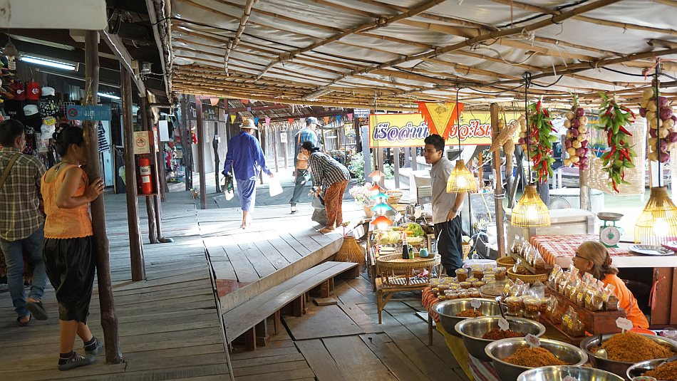 ayutthaya, tajlandia, bangkok, podróż pociągiem, floating market, jedzenie, przyprawy, kwiaty, wycieczka z dzieckiem, relacja - haart.pl blog diy zrób to sam