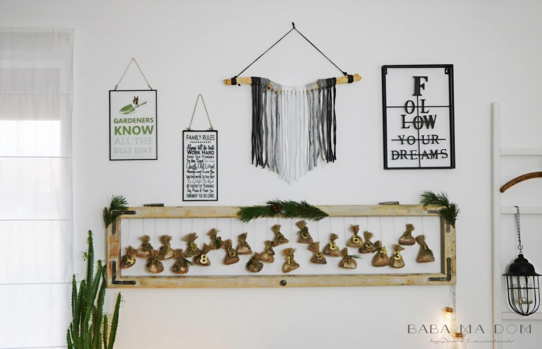 Kalendarze adwentowe. Stara rama okienna, obrazy, makrama, świąteczne dekoracje. HAART.pl blog DIY