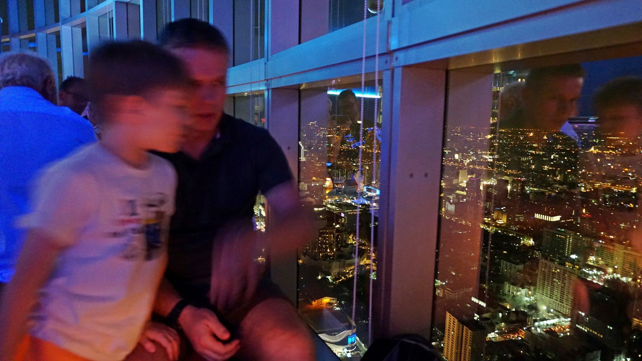 Bangkok atrakcje Baiyoke Hotel Sky Bar panorama, dziecko, HAART.pl blog diy zrób to sam