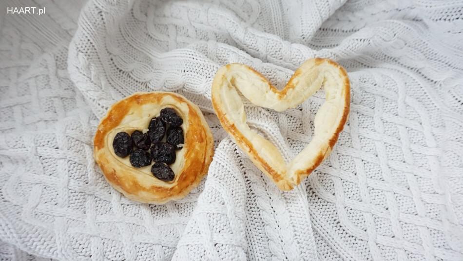 serca z ciasta francuskiego, prezent, pomysł na dzień zakochanych