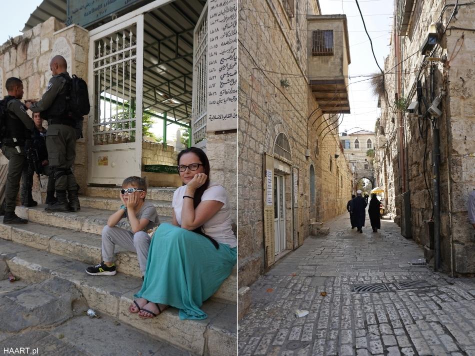 Jerozolima małę wąskie uliczki z wojskiem