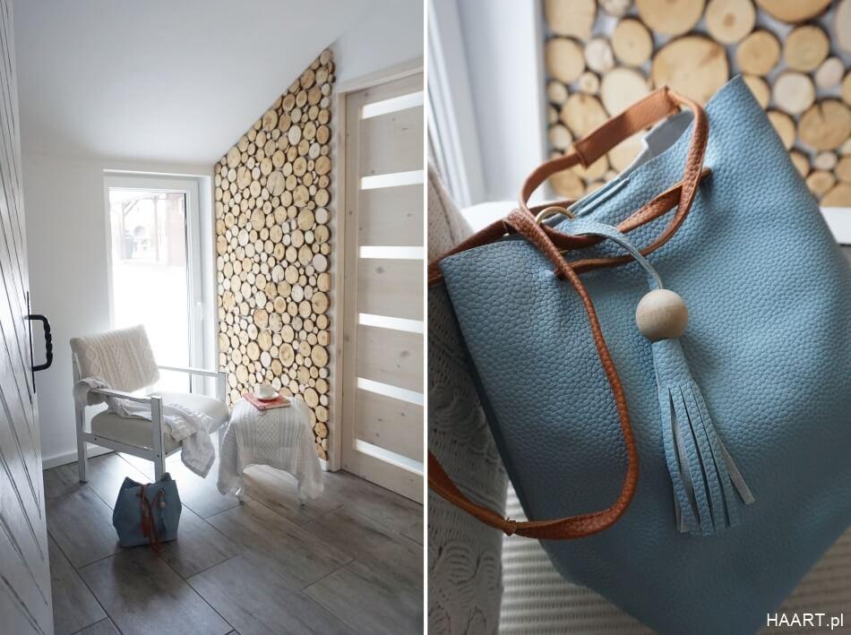 drewniane krążki na ścianie w domu