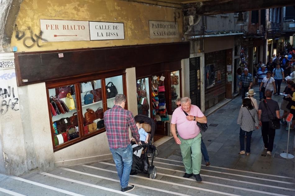 Wenecja wąskie uliczki