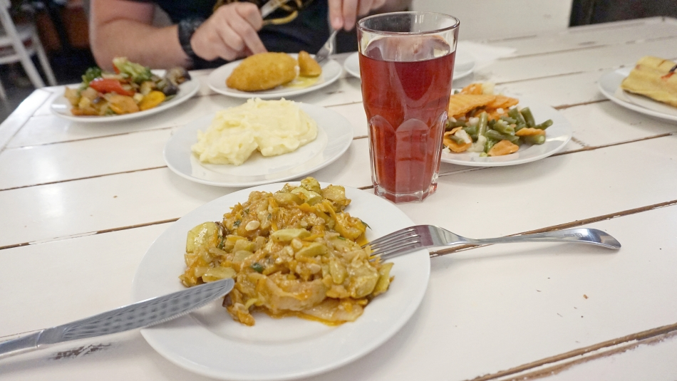 Kijów obiad w Puzata Chata