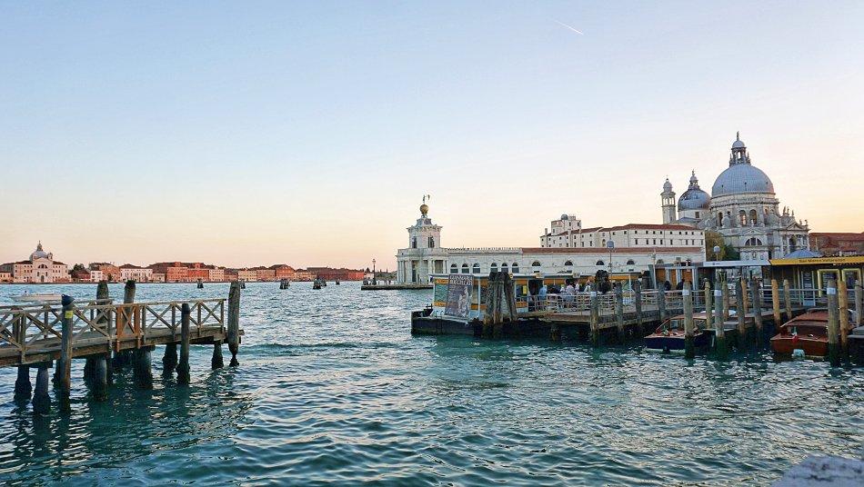 zabytki wenecji wenecja włochy bazylika santa maria della salute wieczór panorama