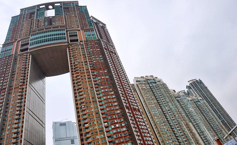zwiedzanie hong kongu elements the arch tower wieżowce mieszkania dystopijne