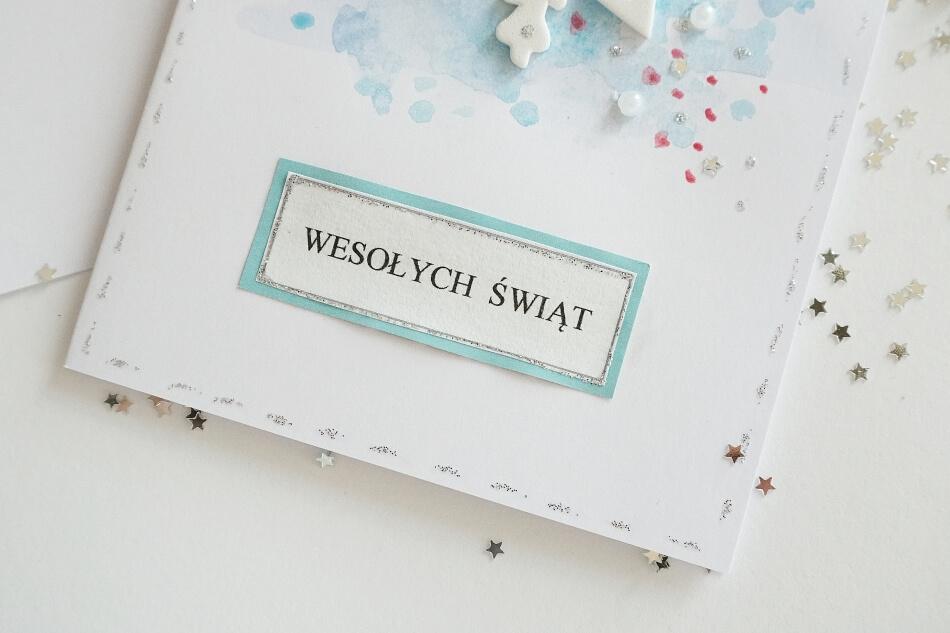 napis wesołych świąt na kartce bożonarodzeniowej