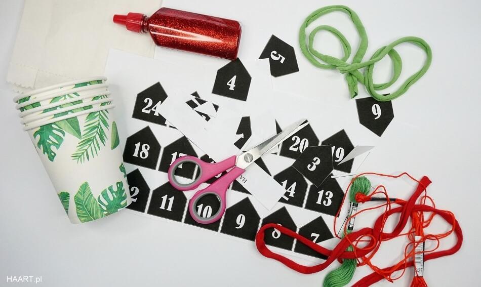 cyferki do naklejenia na kalendarz bożonarodzeniowy dla dzieci
