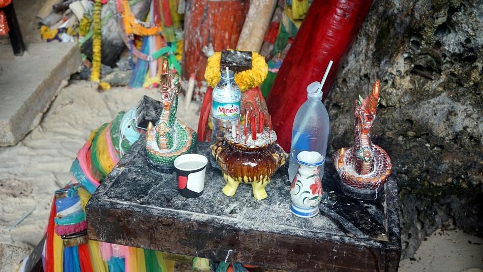 ao nang krabi tajlandia phra nang beach princess cave skały
