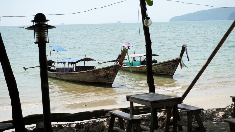 ao nang krabi tajlandia plaża łodzie