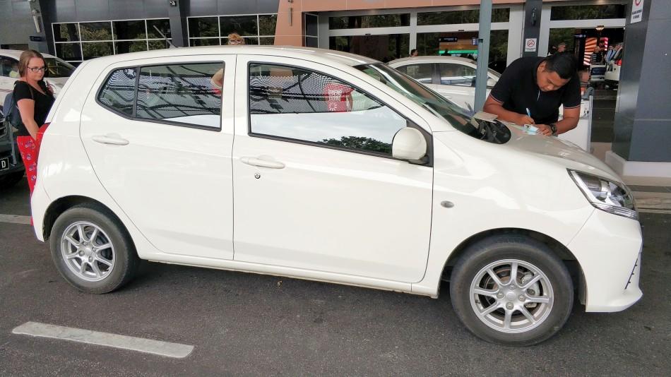 malezja i singapur koszty plan podróży 18 dni samochód perodua axia wypożyczalnia langkawi