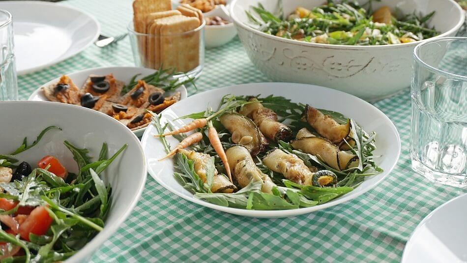 roladki z cukinii, wegetariańska przystawka na przyjęcie