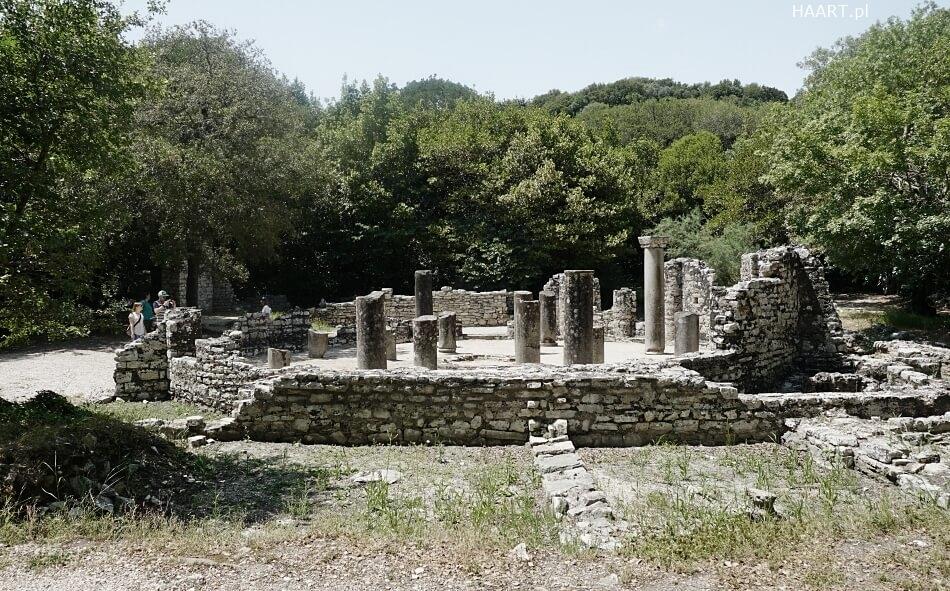 Świątynia w BUtrim Albania Południowa
