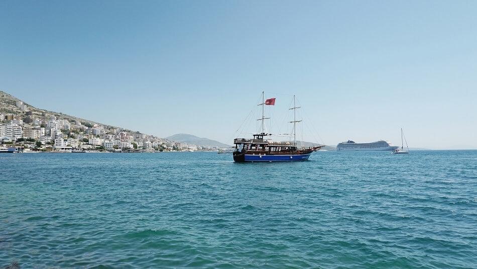 Statek w Sarandzie Albania