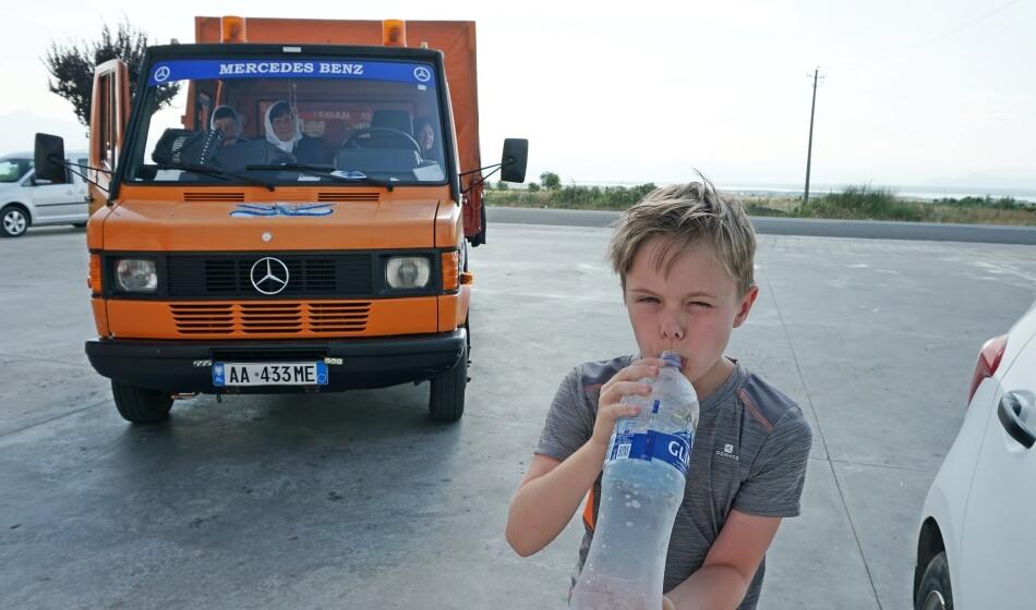 Mercedesy w Albanii