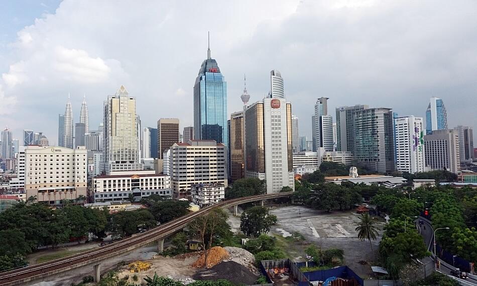 Widok z tarasu mieszkania, panorama miasta, regalia suite, Kuala Lumpur, malezja