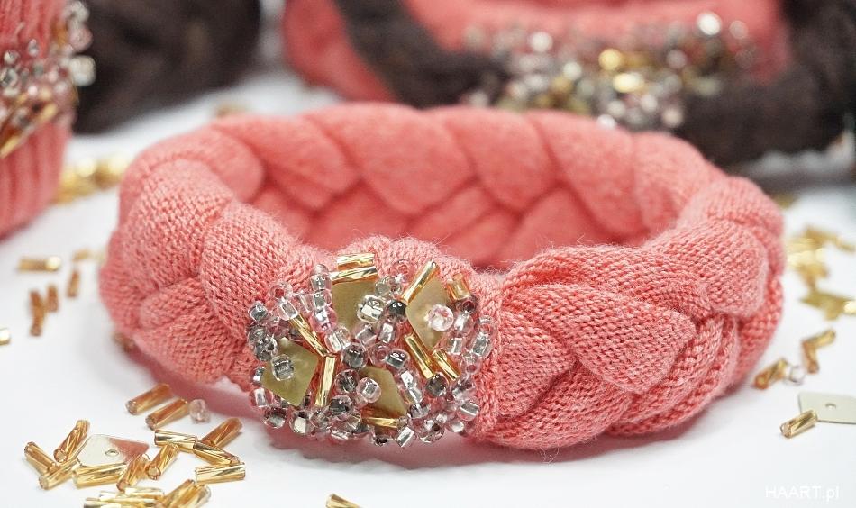 Różowa pleciona bransoletka