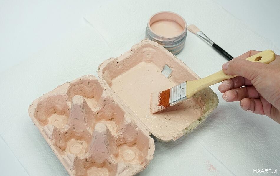 Malowanie pudełka po jajkach