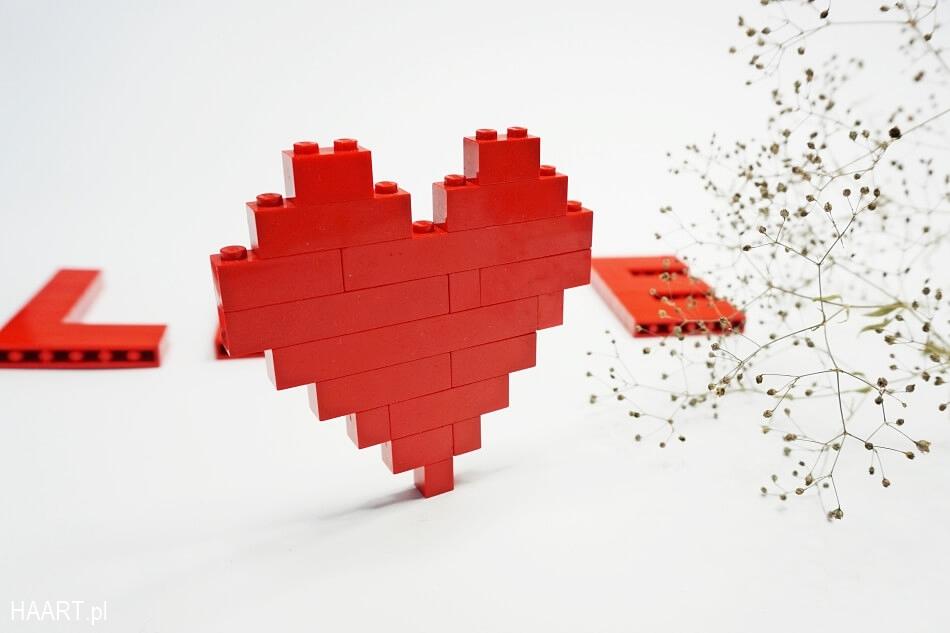 czerwone serce z klocków