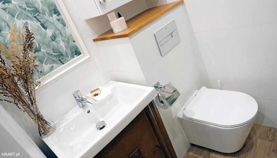 łazienka w starym domu