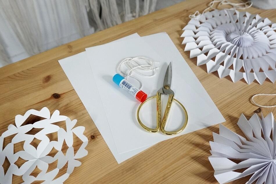 materiały na papierowe rozety